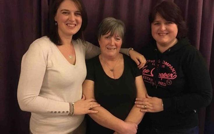 Самые удивительные близнецы: сестры родились с разницей менее чем 2 часа, но в разных странах