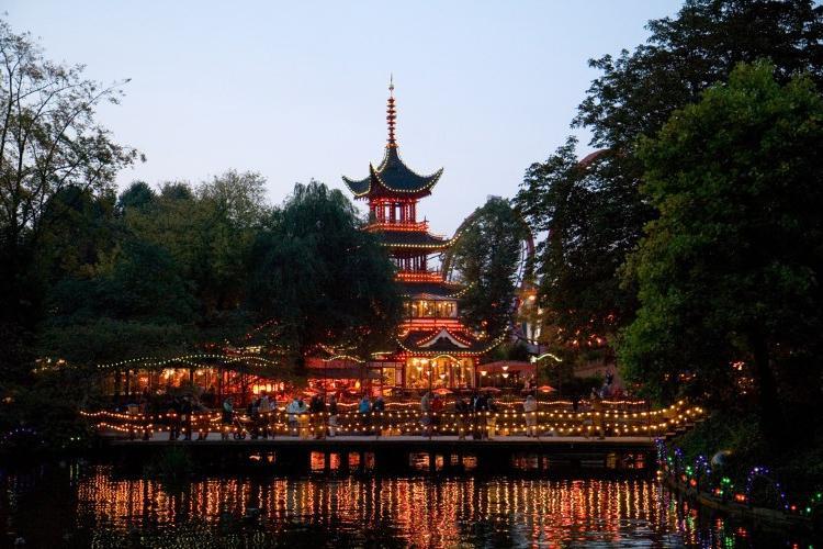 10 лучших туристических достопримечательностей в Дании: почему сады Тиволи оказались на первом месте