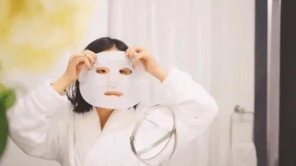 Королева красоты за 1 минуту: лайфхаки, которые помогут быстро привести себя в порядок. Пользуйтесь яблочным уксусом, льдом и масками