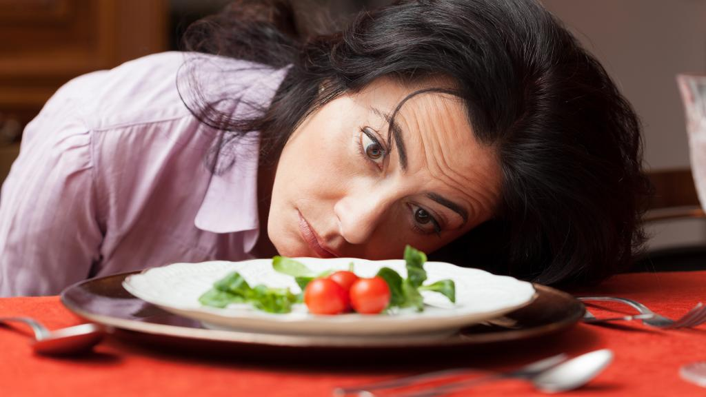 Тот, кто плотно завтракает, сжигает за день больше калорий, чем тот, кто не завтракает вообще
