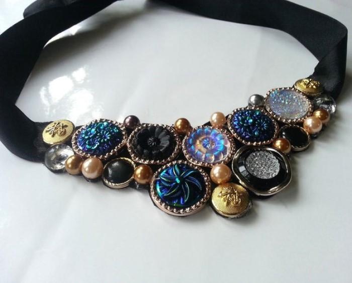 Зачем покупать, если можно сделать самой: ожерелье в винтажном стиле из пуговиц своими руками