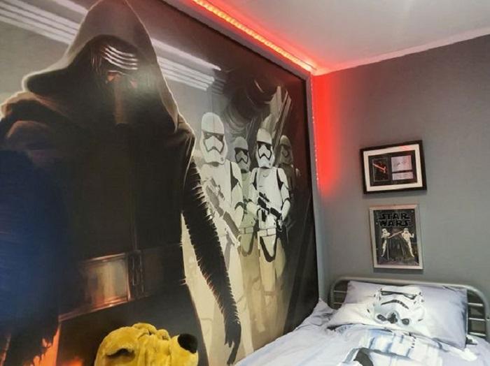 Мама оформила своему любимому сыну комнату в стиле «Звездных войн»: он на седьмом небе от счастья