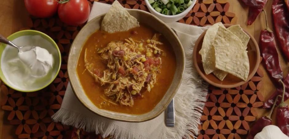 Лучше, чем любимый харчо: острый куриный суп я подаю со сметаной. Главное в нем   пряности, которые в нашей семье все обожают (рецепт)