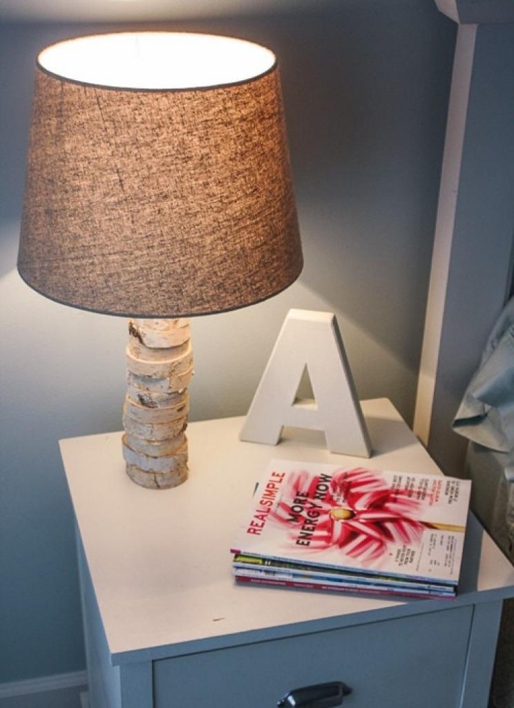 Натуральные материалы в интерьере: как оформить лампу кусками цельной древесины