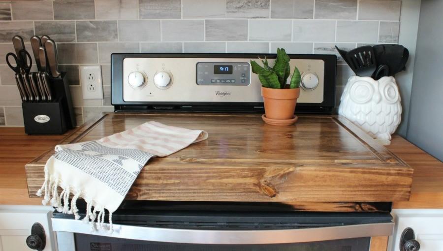 Стильно и практично: как сделать крышку для плиты из натурального дерева