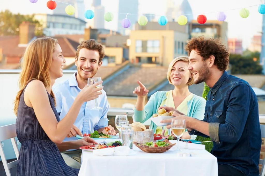 Еда – не просто способ получения витаминов: ученые нашли связь между питанием в коллективе и счастьем
