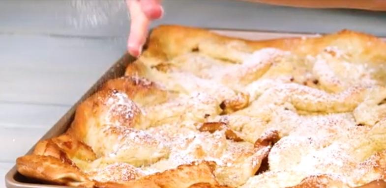 Любимый десерт моих сладкоежек: тонкий пирог с запеченными в корице яблоками