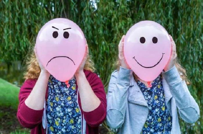 Специалисты доказали, что пение помогает бороться с тревожностью, а негатив передается по наследству