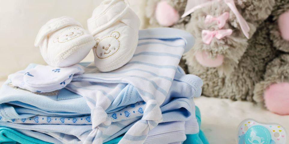 Предметы, что обеспечат безопасность малыша в доме и не только: какие вещи необходимо иметь мамам годовалых детей