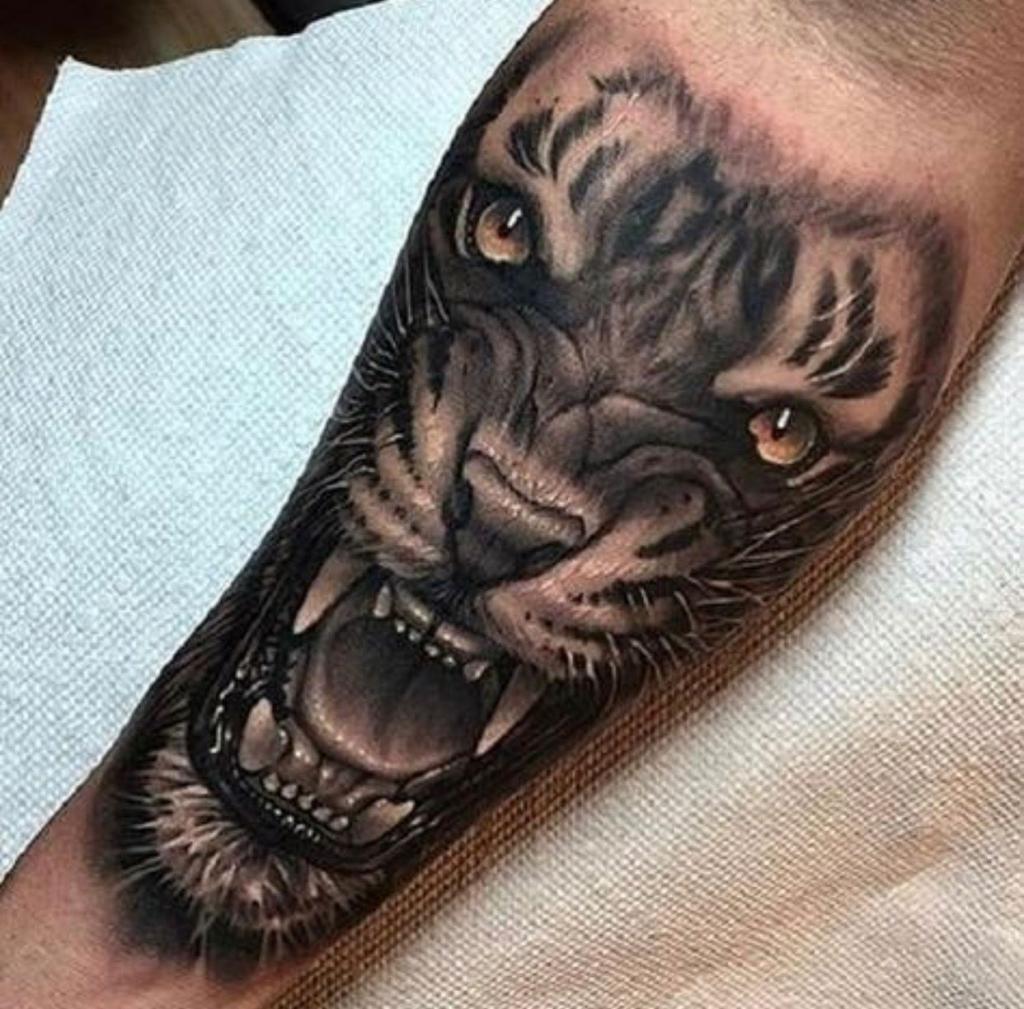 10 очень реалистичных тату. Они действительно выглядят как фотографии на коже