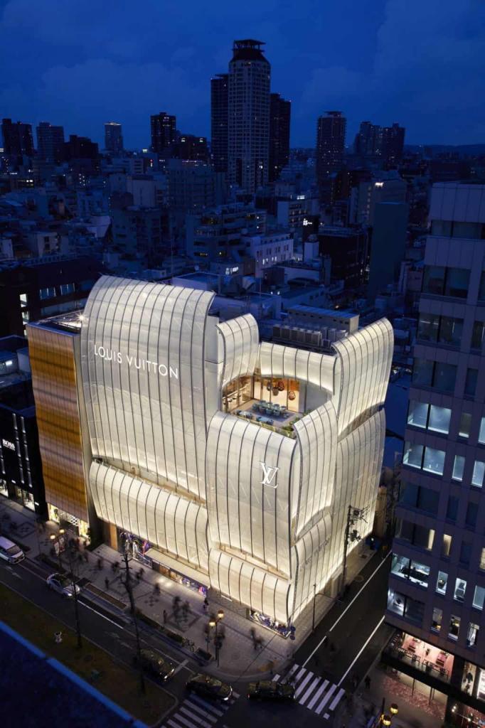 Первый в мире ресторан Louis Vuitton уже открыт для посетителей: как он выглядит