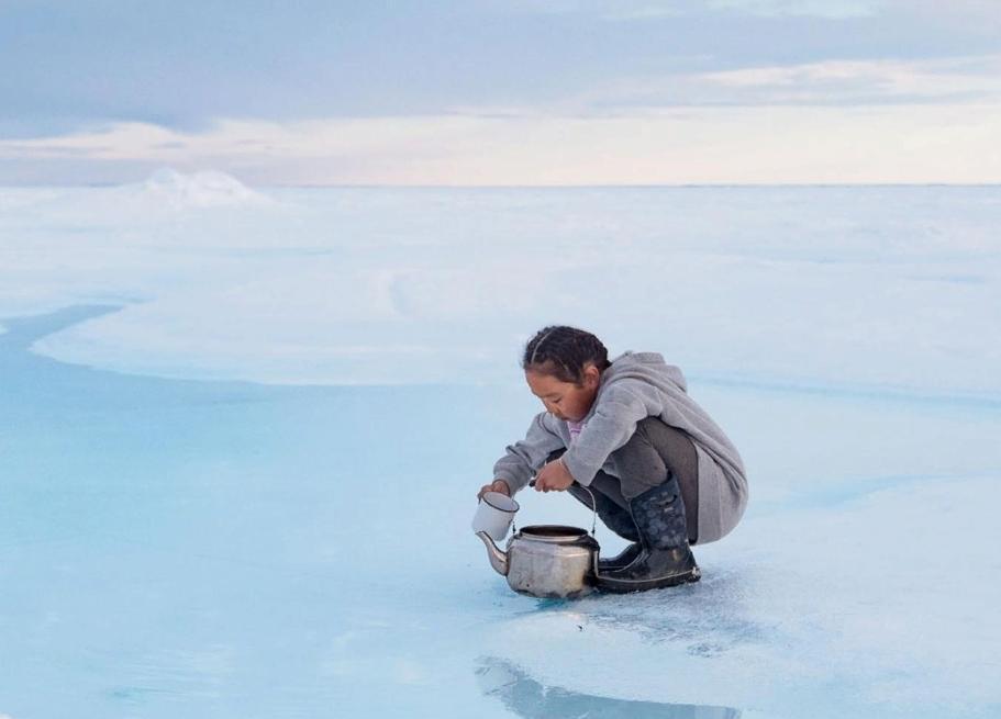 За последние три десятилетия многолетние льды Арктики сократились на 95 процентов: общины инуитов пытаются адаптироваться в условиях изменения климата (фото)