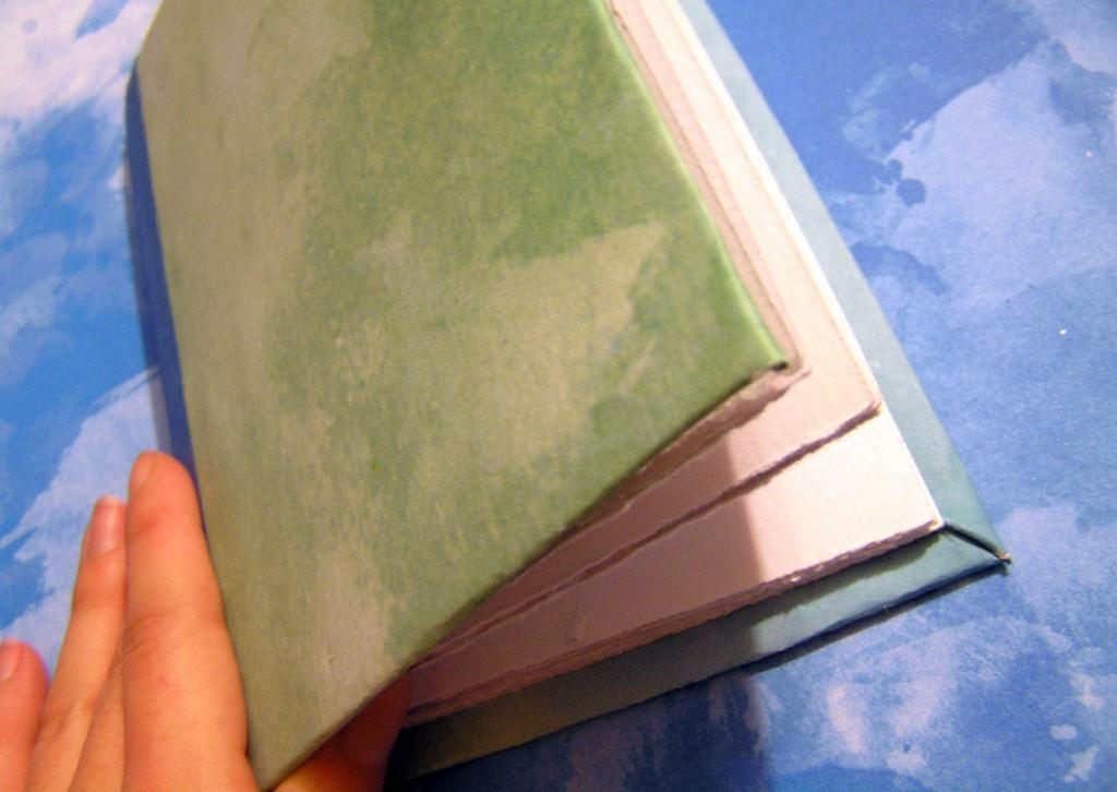 Попробовала сделать милую записную книгу своими руками: идеальный вариант для подарка или личных записей