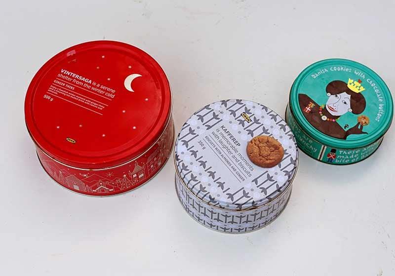 Решила преобразить старые коробки из-под печенья: сделала из них стильные шкатулки