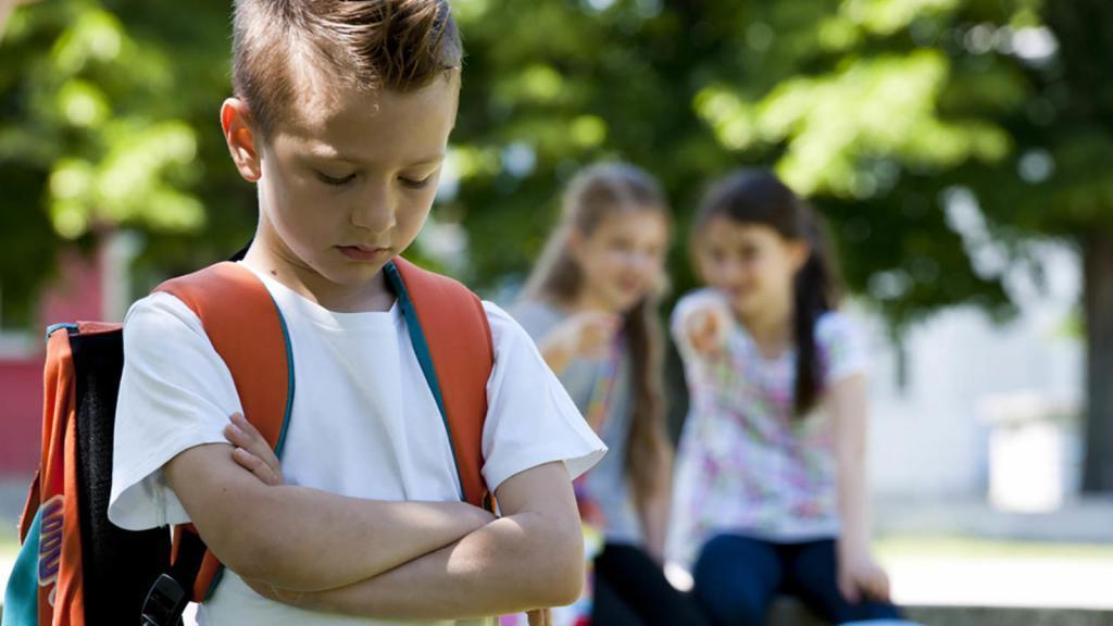 «Мама, я никому не нравлюсь!» Создайте атмосферу дружбы и еще 4 способа помочь ребенку не чувствовать себя отвергнутым