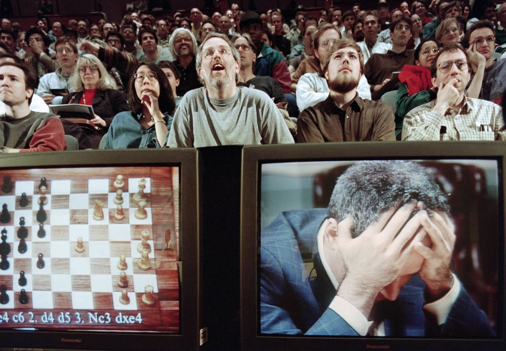 Wired: Каспаров поделился своим мнением о роковой партии с шахматным компьютером Deep Blue, а также рассказал, как он видит сотрудничество ИИ и человека сегодня