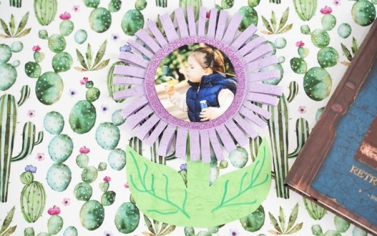 Очаровательный цветочек: как сделать красивую фотооткрытку своими руками