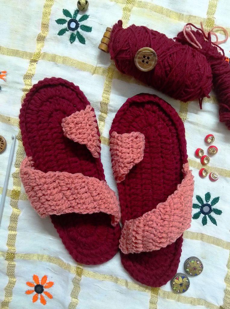 Идеальный вариант для холодной зимы: как связать крючком красивые и теплые домашние сандалии