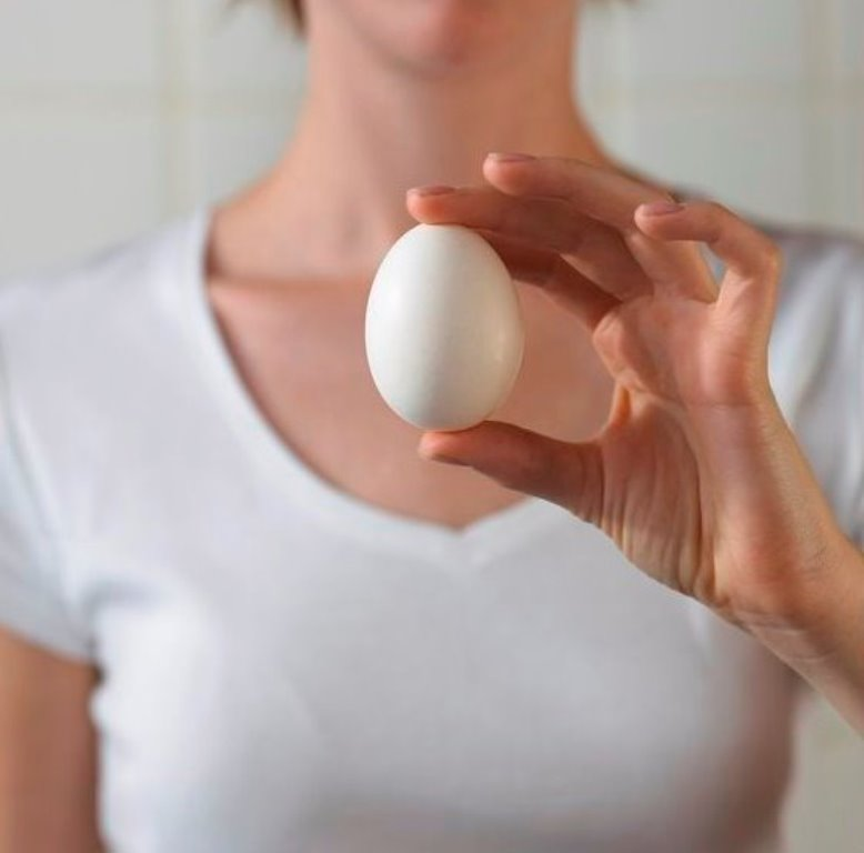 Себе же во благо: почему полезно натощак по утрам съедать одно яйцо