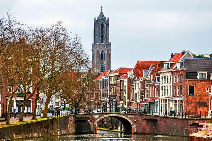 Рейтинг самых доступных и удобных городов Нидерландов для изучения туристами: почему первым делом стоит осмотреть Амстердам