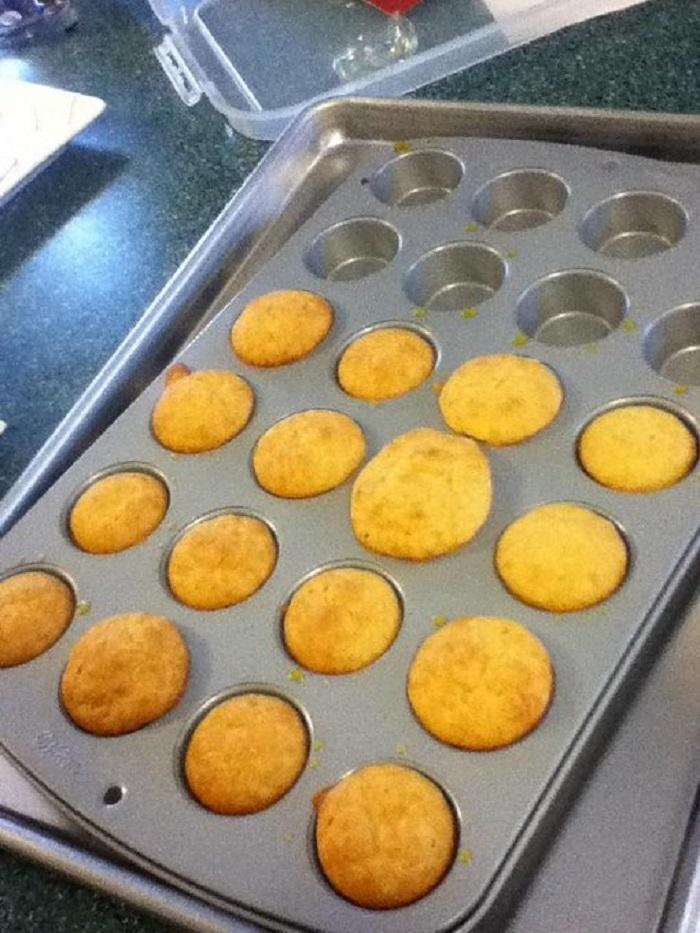 В Масленичную неделю люди вместо блинов рекомендуют приготовить вкуснейшие кексы: рецепт
