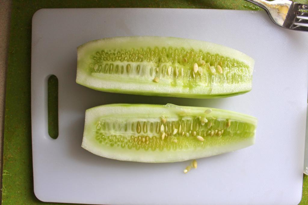 Спа салон в домашних условиях: готовим лимонно огуречную воду для выработки коллагена и успокаивающую маску