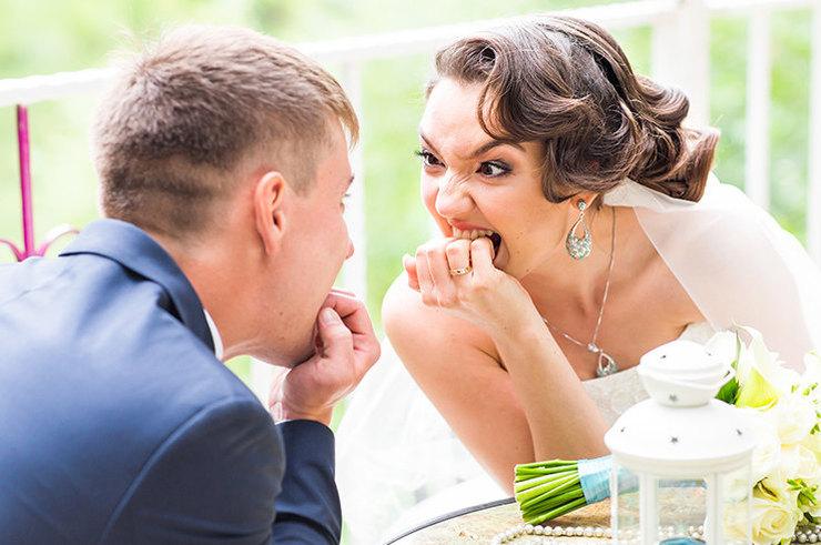 Сестра жениха устроила хаос на свадьбе, чем вывела невесту из себя: мужчина же принял кардинальное решение