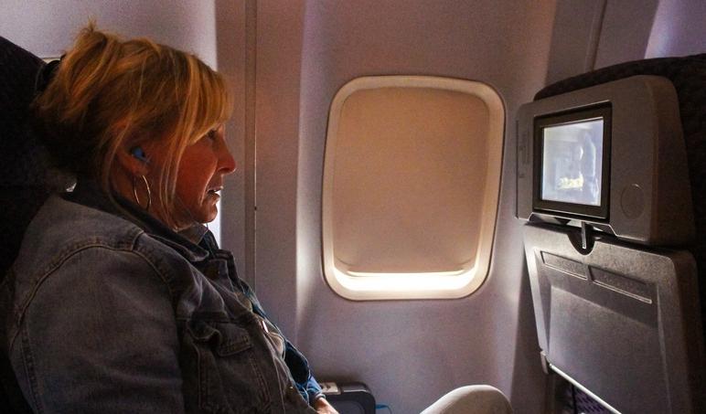 Авиакомпании могут перестать показывать фильмы пассажирам: их заменят услуги для мобильных приложений