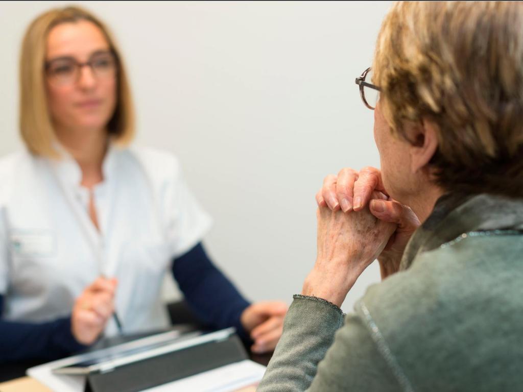 Одни просят разрешения на развод, у других виноваты деньги: психотерапевты назвали самые популярные причины, почему пары обращаются к ним за помощью