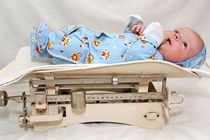 Сколько вы весили при рождении? Оказалось, что вес новорожденного напрямую связан с его IQ