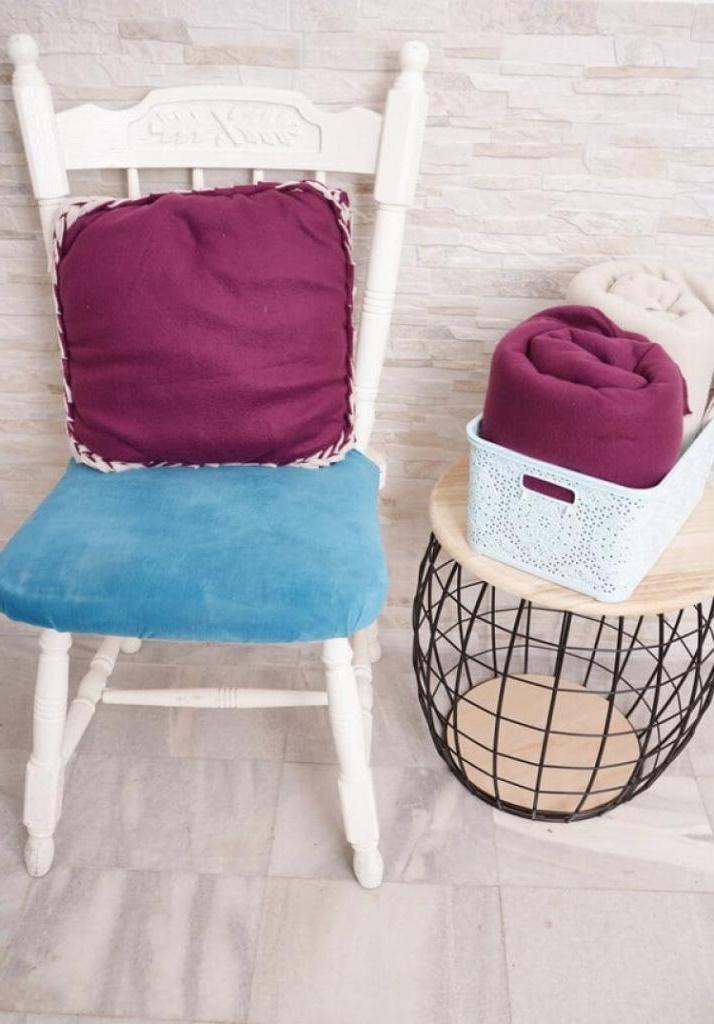 Флисовая подушка с рельефными краями: мастер-класс для тех, кто не любит или не умеет шить