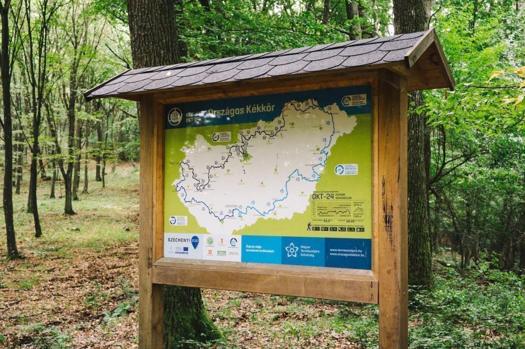 Древние замки, милые деревушки и уникальная природа: что ждет туриста на Blue Trail - лучшей туристической тропе Венгрии