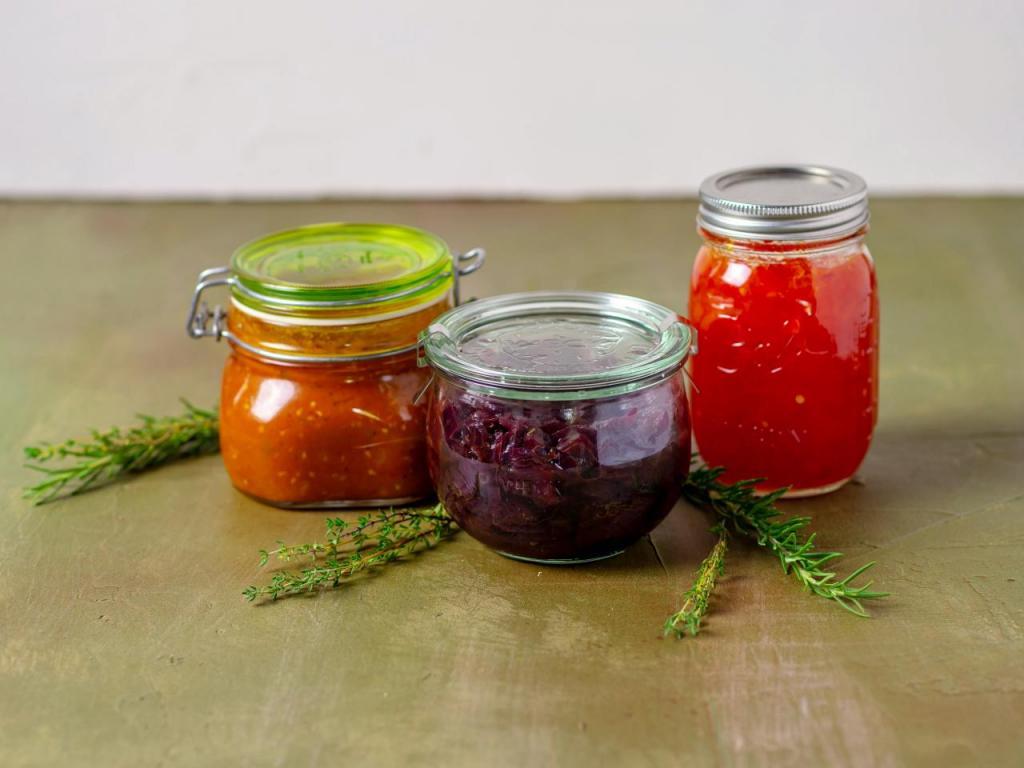 Мои фирменные джемы из красного лука или томатов приятно удивляют необычным вкусом всех гостей: 3 простых рецепта