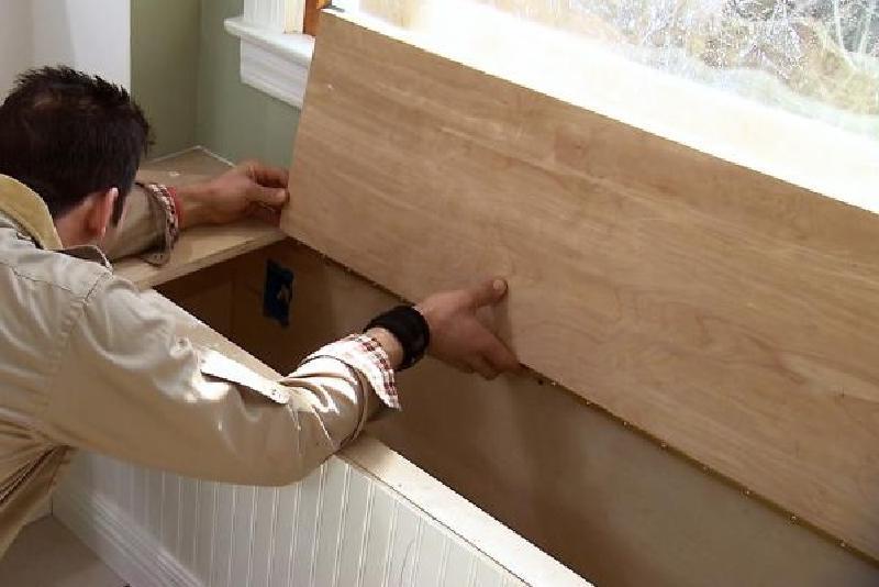 Муж сделал встроенную угловую скамейку на кухню - экономит место и удобная для хранения разной утвари