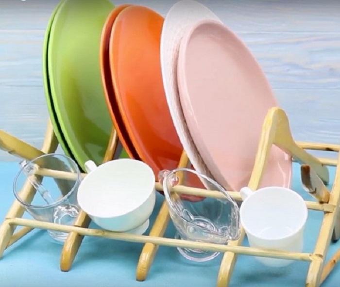 Сушилка для посуды из старых вешалок: вторая жизнь старым ненужным вещам