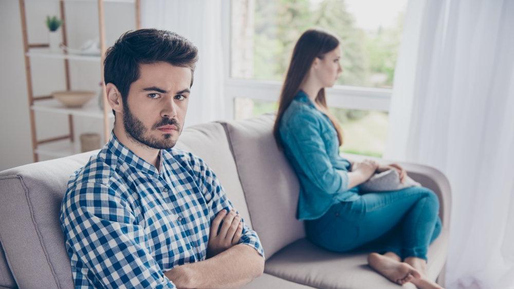 Обойдемся без скандалов: что нужно делать, если мужчина вас игнорирует