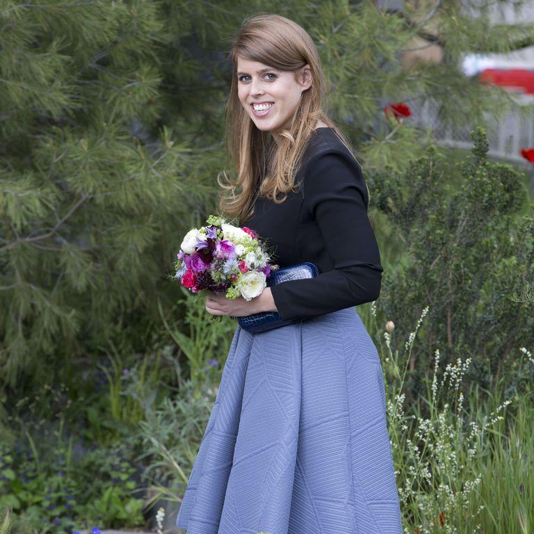 Домашнее задание для принцессы: Беатрис выбирает свадебный букет