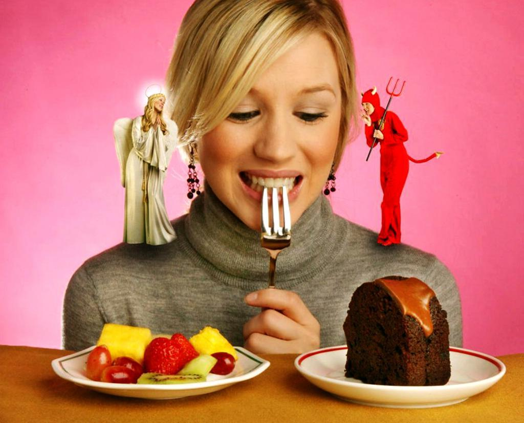 Подружка модель рассказала, что можно есть после 18:00, чтобы не поправиться: даже чипсы входят в список разрешенных продуктов
