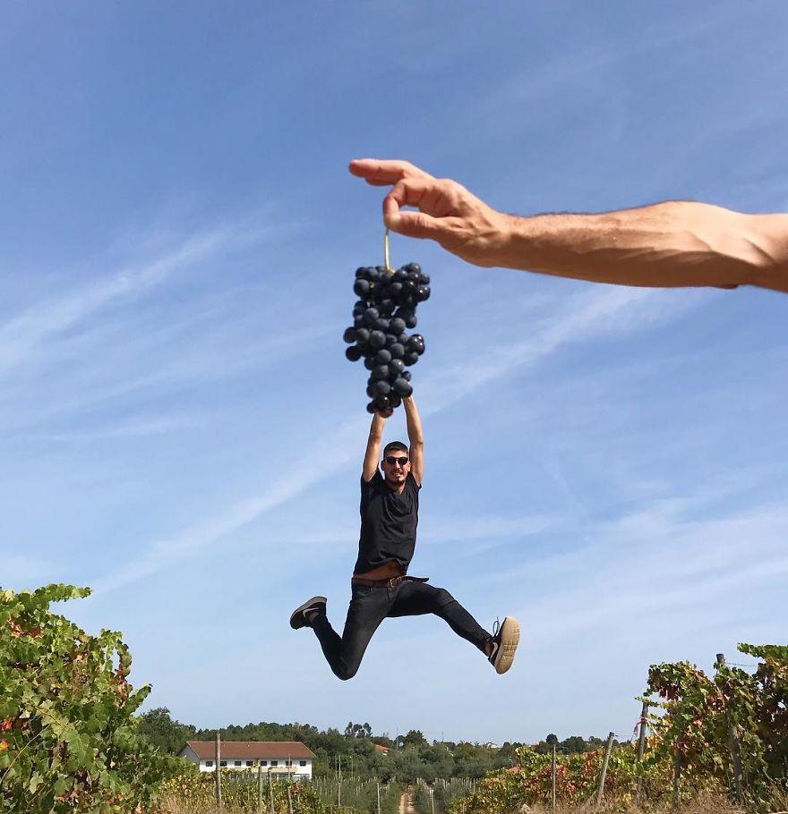 Креативный фотограф, играя с оптической иллюзией, делает потрясающие фотографии