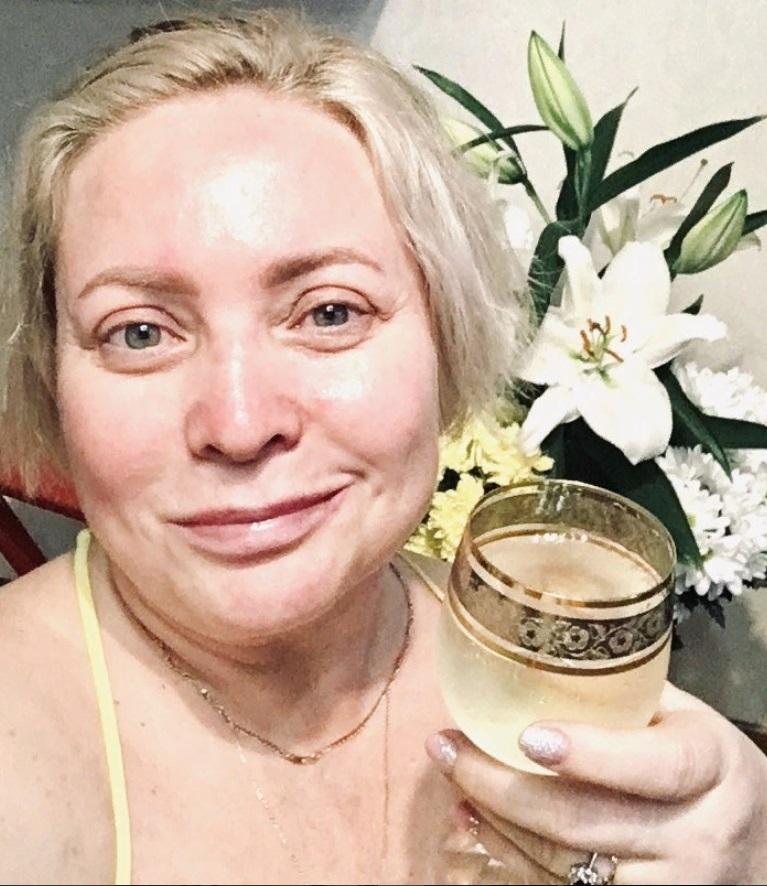 Светлана Пермякова отметила 48-летие: актриса предстала перед поклонниками в натуральном виде (фото)