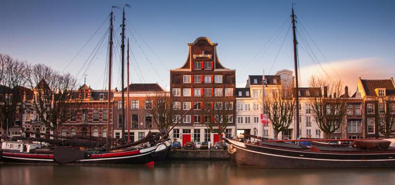 5 городов в Нидерландах, которые правительство просит туристов посещать вместо Амстердама: Гронинген, Лимбург и другие