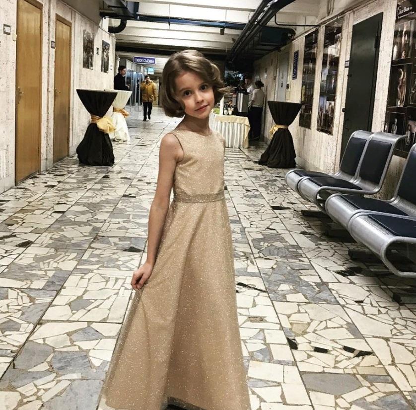 Ради роли тренировалась каждый день: экранная дочка Саши и Нади в фильме  Лед 2  очаровала зрителей красотой и талантом