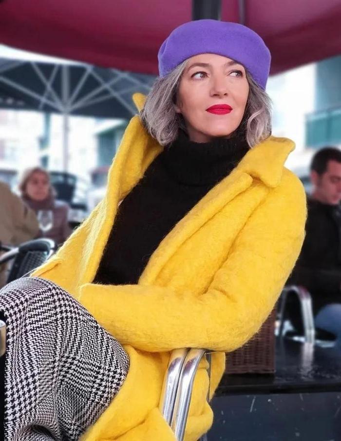 Экспериментируйте, не будьте бабушкой: как одеваться в 50, чтобы выглядеть смело и модно