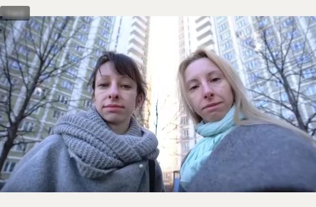 Из двух сестер дурнушек сделали писаных красавиц за один день.