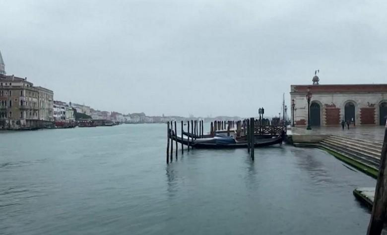 В Венеции рассказали о принятых властями мерах для очищения каналов: сокращение водного транспорта