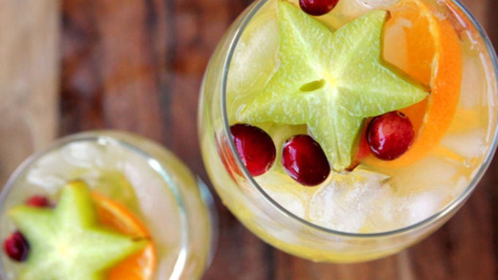 Чем побаловать себя и близких? Приготовить семейный напиток: освежающую и вкусную безалкогольную сангрию