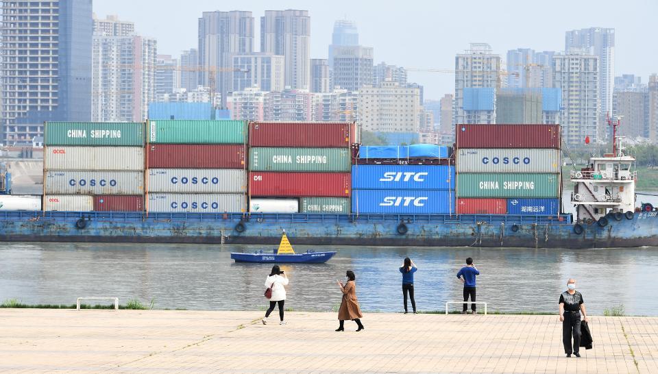 Китай снимет ограничения на поездки - с 8 апреля жителям Уханя снова будет разрешено путешествовать