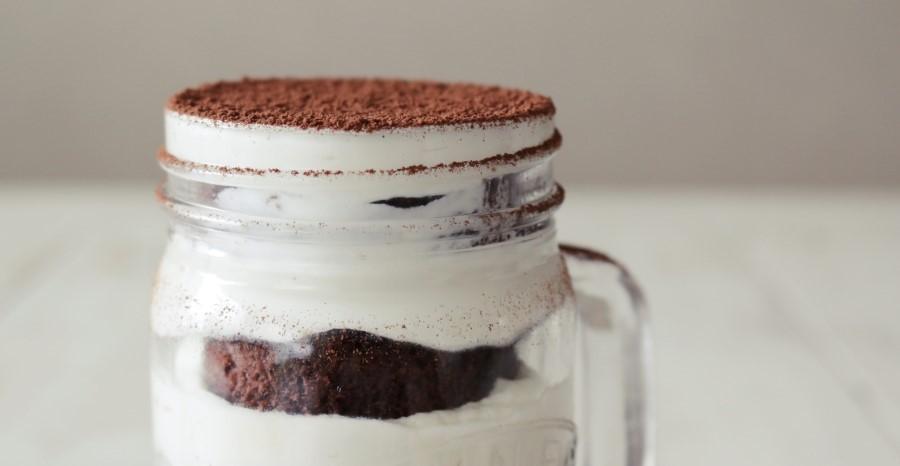 Эффектная подача: как я готовлю нежный и вкусный торт Тирамису в баночке (рецепт)