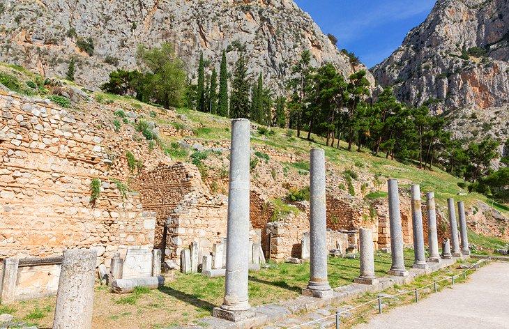 Посещение Дельф из Афин: основные достопримечательности, советы и экскурсии