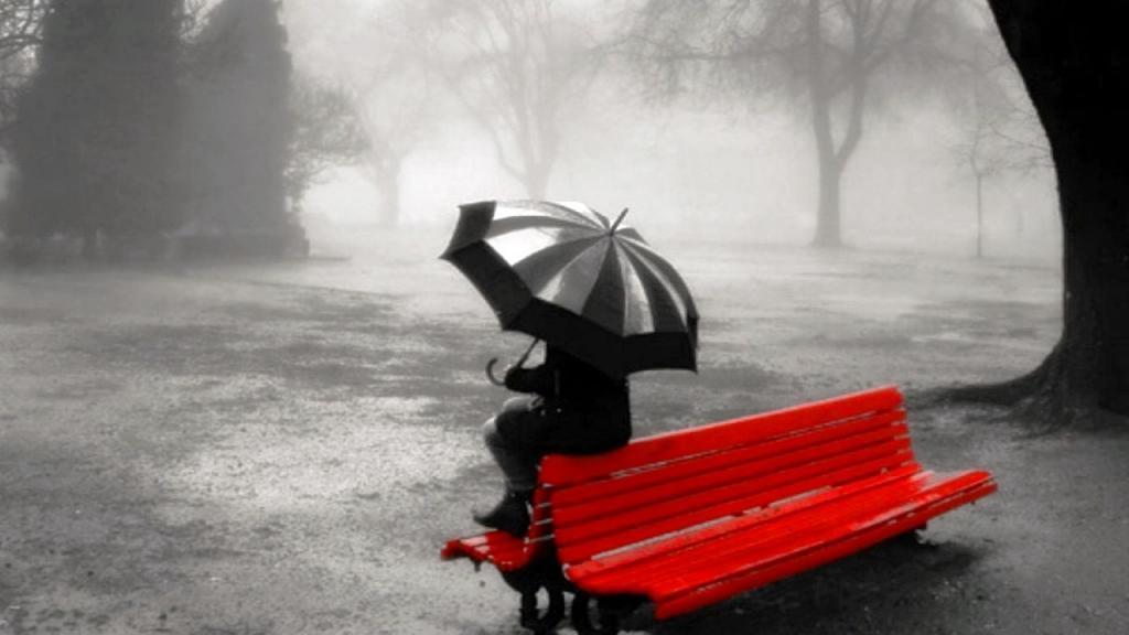 Я рыдала на скамейке в парке от предательства подруги. Рядом села незнакомая бабушка и поделилась мудростью. Теперь я подруге благодарна
